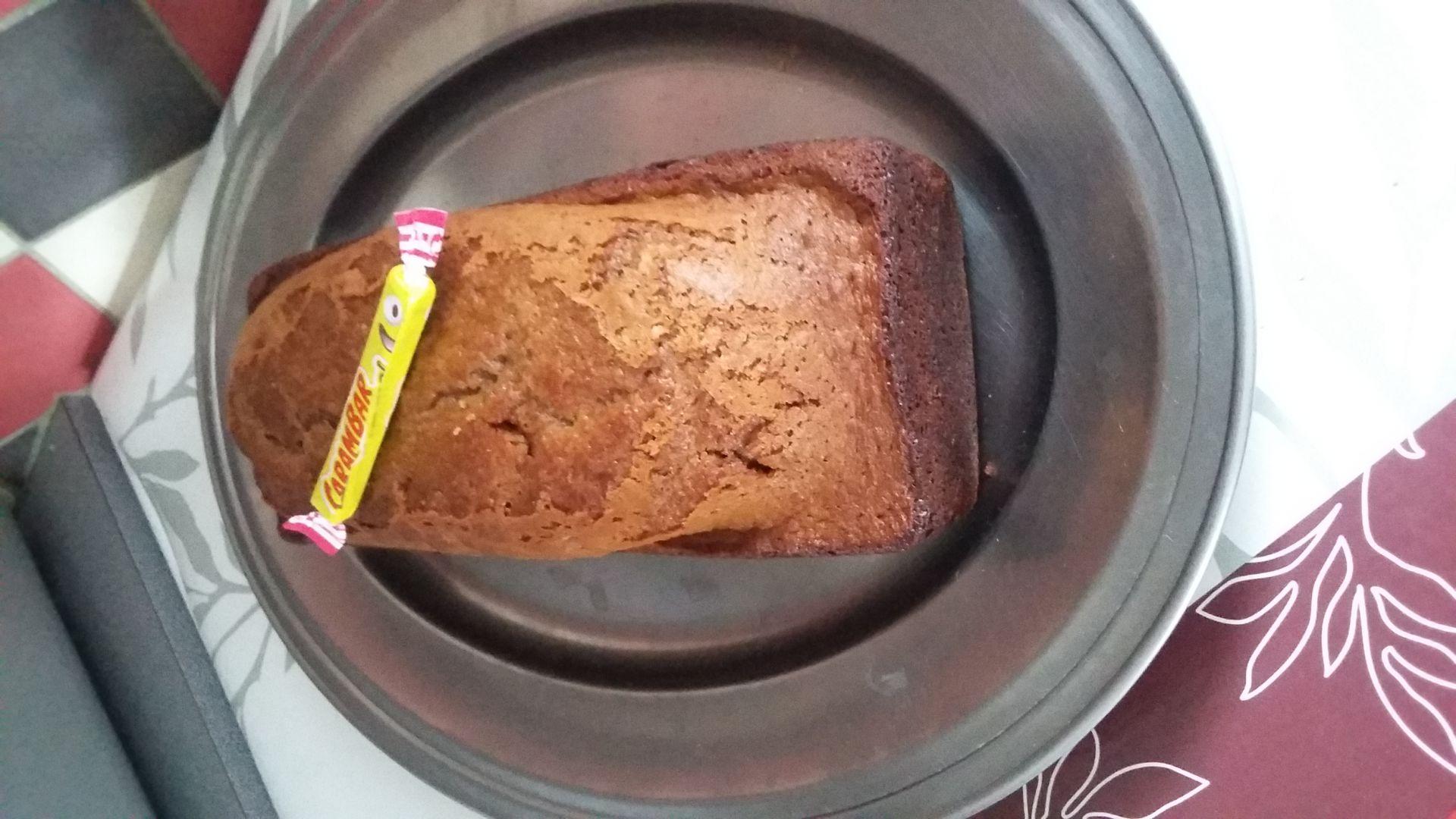 recette cake au carambar au caramel sur la petite cuisine. Black Bedroom Furniture Sets. Home Design Ideas