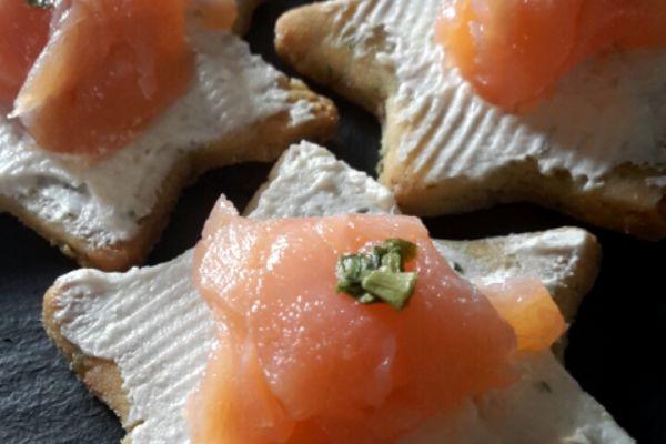 Recette Sablé saumon et fromage de Noël