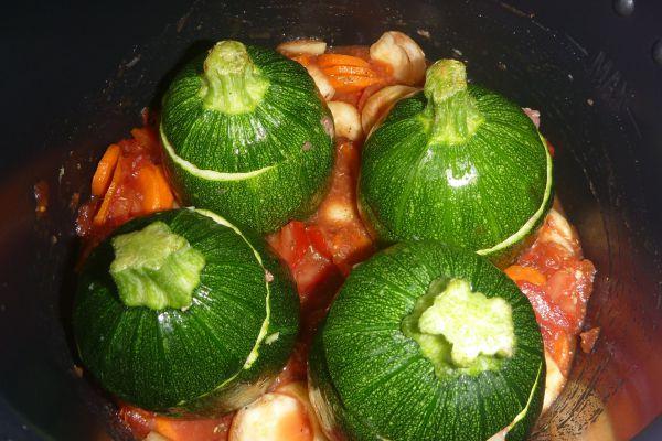 Recette COOKEO - Courgettes farcies sauce légumes - 7 pp (6 SP)