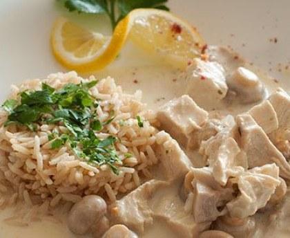 Recette Poulet au riz blanc et sa sauce champignons COOKEO
