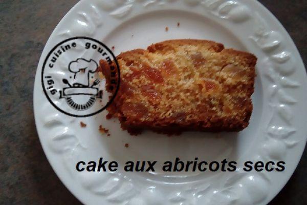 Recette CAKE AUX ABRICOTS SECS