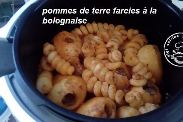 Recette POMMES DE TERRE FARCIES sauce BOLOGNAISE au cookéo
