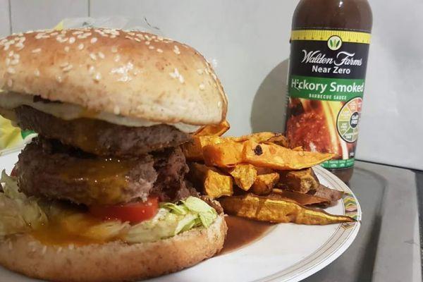 Recette Buffalo burger et frites de patates douces croustillantes