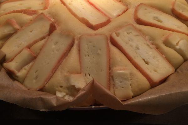 Recette Tarte au maroilles (pâte levée)