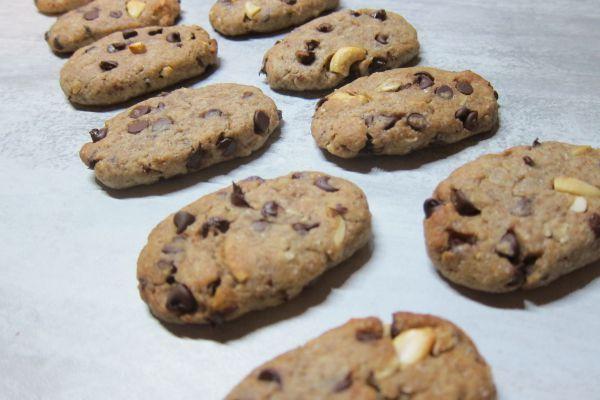 Biscuits petit-déjeuner aux céréales et chocolat