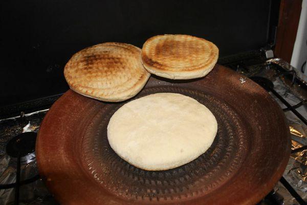 Recette Pain algérien cuit dans un tajine en terre cuite