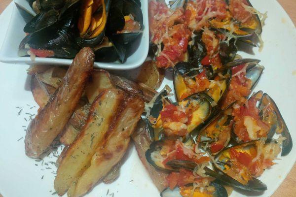 Recette duo de moules marinières/gratinées provencales frites maisons