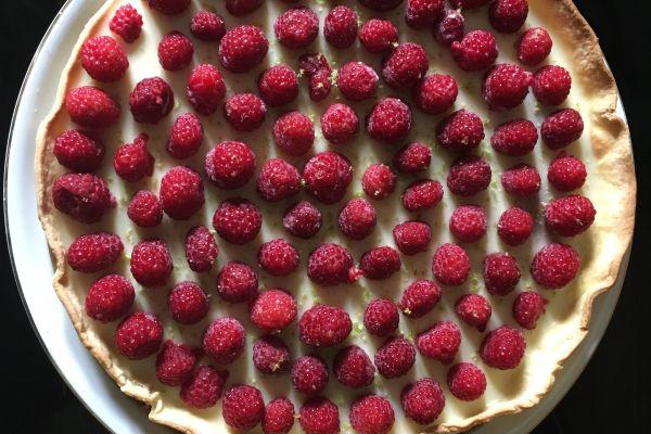 Recette Tarte à la framboise et ganache au chocolat blanc