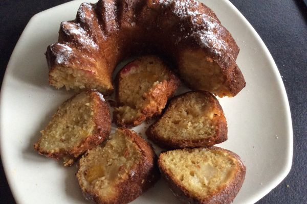 Gâteau moelleux aux fruits