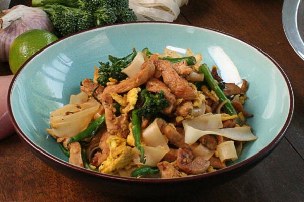 Recette Sauté de poulet aux nouilles de riz par Gordon Ramsay