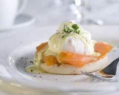 Recette Blinis d'oeufs pochés au saumon fumé et sauce au citron