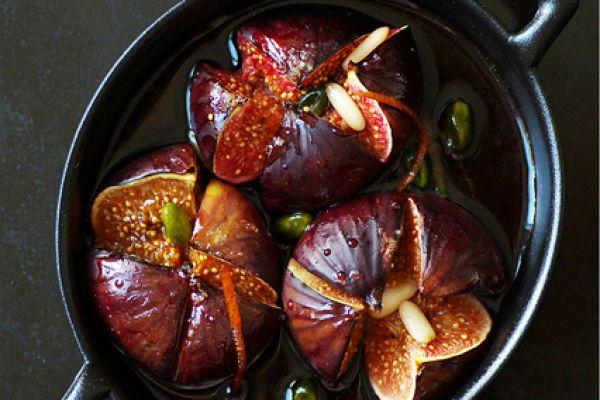 Recette Figues pochées au vin rouge épicé