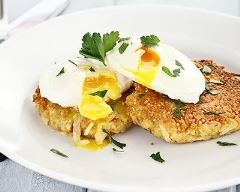 Recette Galettes de quinoa croquantes aux œufs pochés