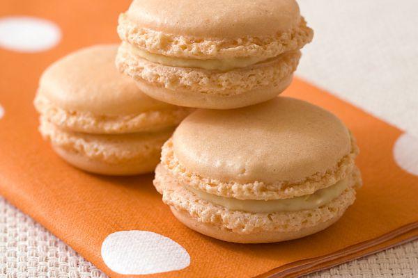 Macarons à la crème de chocolat blanc et à l'orange