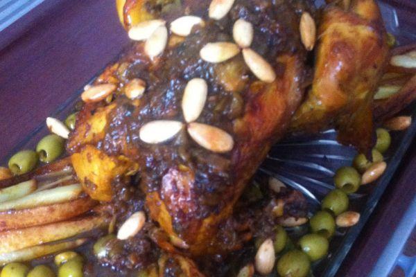 Recette Poulet rôti amandes/frites/olives