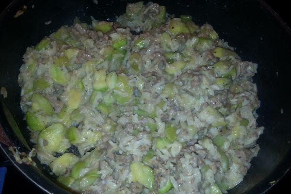 Recette Poelée de riz courgettes et viande hachée
