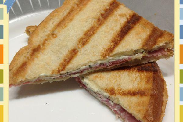 Recette Croque-Monsieur jambon/ fromage ail et fines herbes