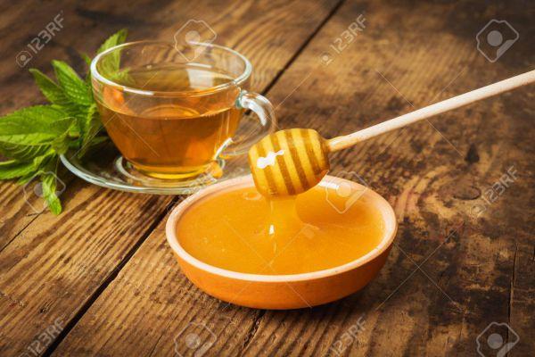 Thé vert à la menthe et au miel