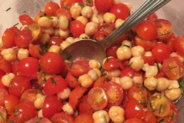 Recette salade de pois chiches et tomates cerises
