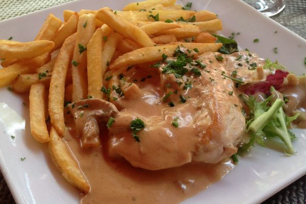ESCALOPES DE POULET SAUCE NORMANDE