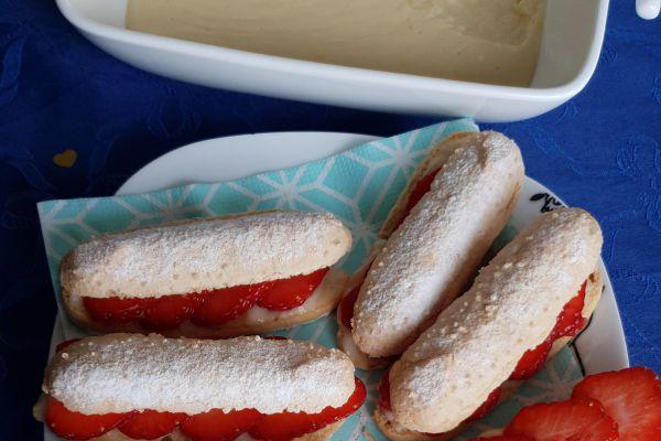 """Biscuit cuillère façon """"éclair"""" fraise/citron"""