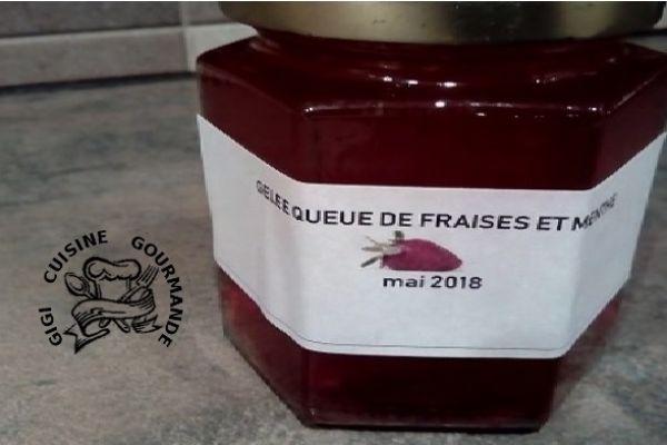 Recette GELEE DE QUEUES DE FRAISES ET MENTHE