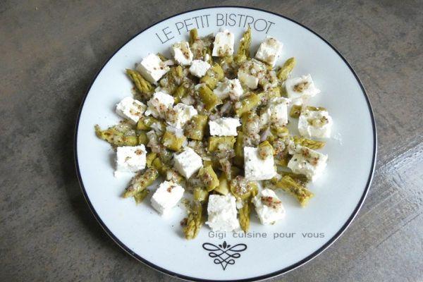 Salade d'asperges à la féta moutardée