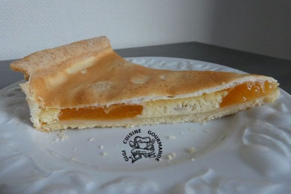 Tarte crémée meringuée aux abricots