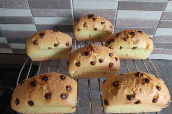 Recette Mini cakes au pépites de chocolat au lait avec le cake factory