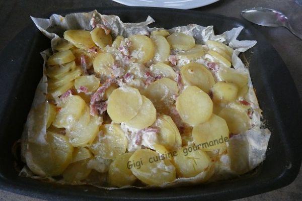 Papillote de pommes de terre et allumettes fumées