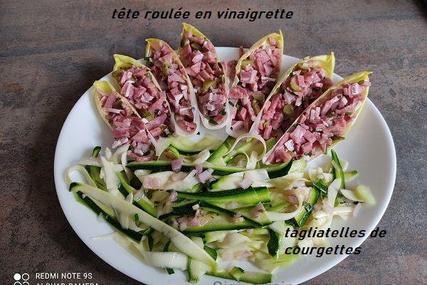 Salade de tête roulée et tagliatelles de courgettes