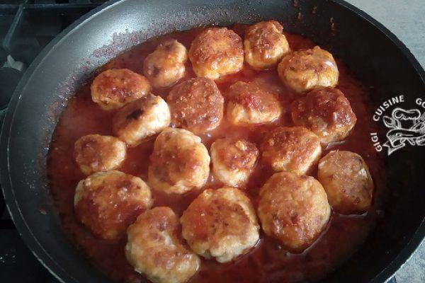 Recette boulettes de poulet sauce bolognaise