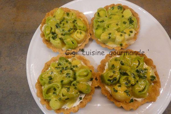 Recette Tartelette aux poireaux sauce vinaigrette au miel