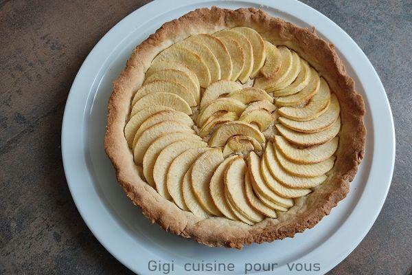 Recette Tarte aux pommes sur pâte sablée noisettes (compact cook pro)