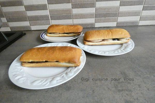 Paninis au chocolat noir et poire avec le cake factory
