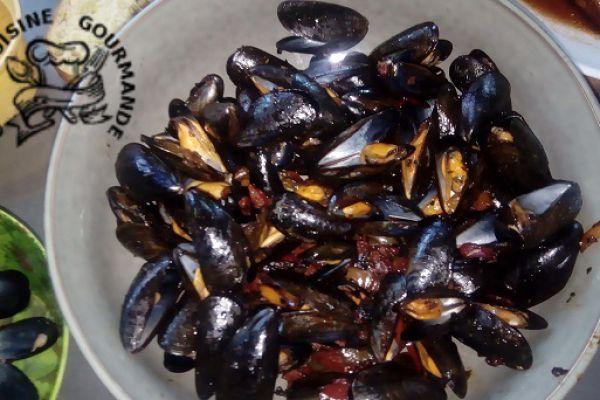 Recette Moules au chorizo et poivrons multicolores (à la plancha)