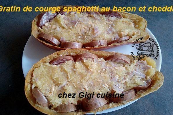 Recette courge spaghetti-bacon-cheddar-saucisses de Morteau