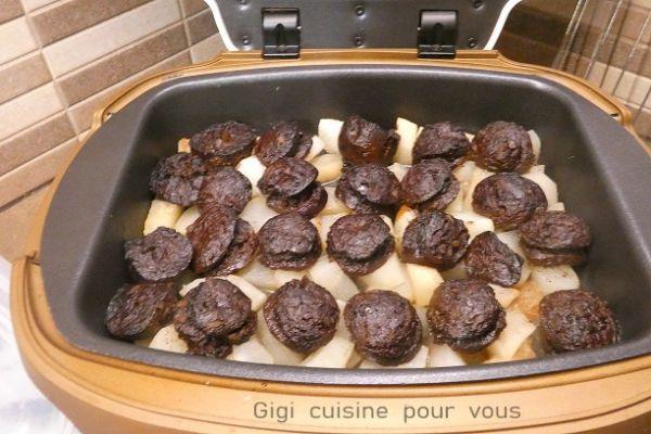 Boudin noir sur lit de poires au cake factory