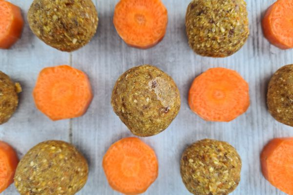 Boules energie aux dattes et carottes