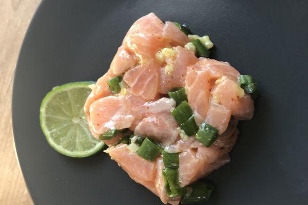 Recette Tartare de saumon, ciboule et citron vert