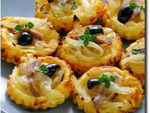 Recette Mini-tartelettes fines aux oignons et anchois