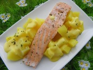 Recette Pave de saumon pommes de terre vapeur sauce hollandaise