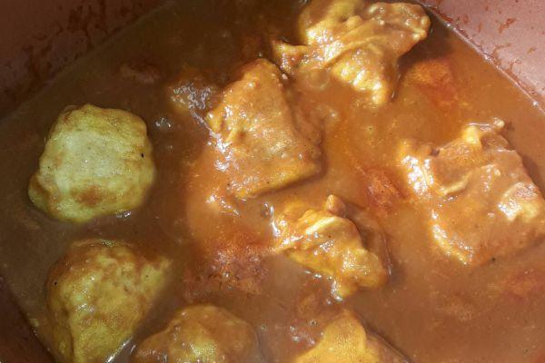 Recette Beignets de cabillaud en sauce épicée.