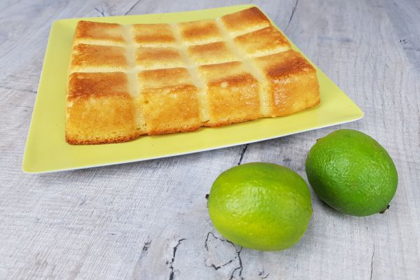 Gâteau moelleux au citron vert et coco