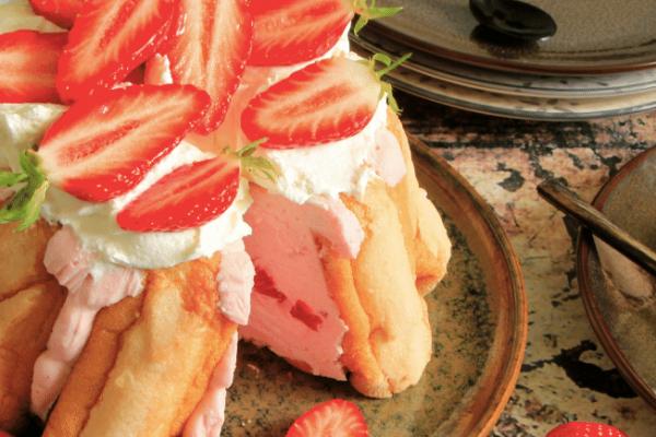 Recette Charlotte aux fraises et chantilly maison