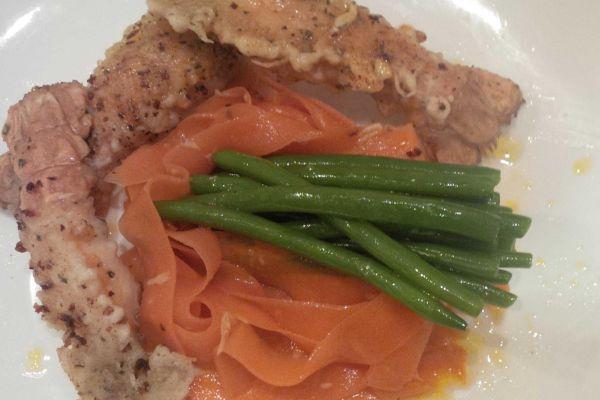Recette écrevisses panées, tagliatelles de carotte au soja et haricot