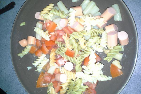 Recette salade knack volaille et pâtes crudités 8pp