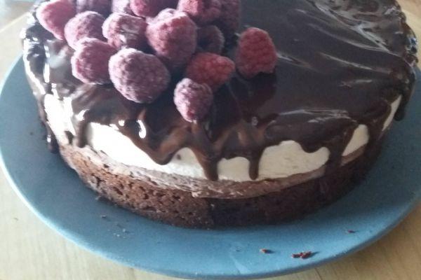 Brownie,mousse au chocolat. Mousse vanille