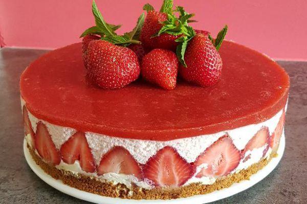 bavarois au chocolat blanc et à la fraise