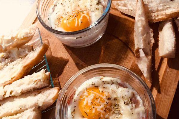 Recette Oeuf cocotte chèvre et jambon cru